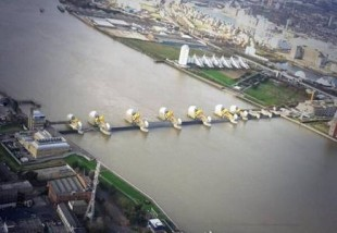 Thames Barrier 6 December - @MPSinthesky